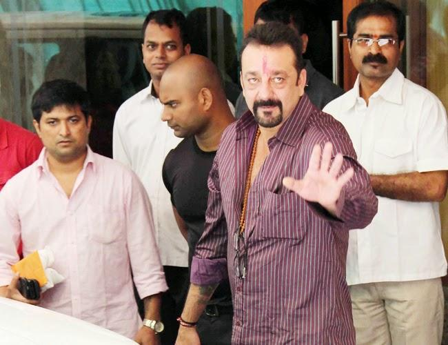 Sanjay Dutt Gets A Tearful Farewell From Wife Manyata And His Twins As He Returns To Yerwada Jail