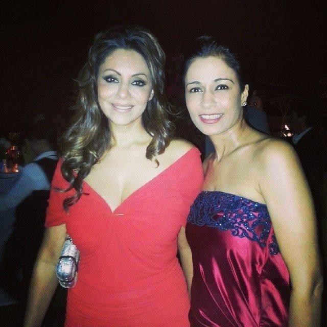 Gauri Khan Pose For Camera During Her Project's Launch Party In Dubai
