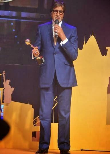 Amitabh Bachchan Posed With Awards At The First Edition Of Times Now ICICI Bank NRI Of The Year Awards 2014 Ceremony