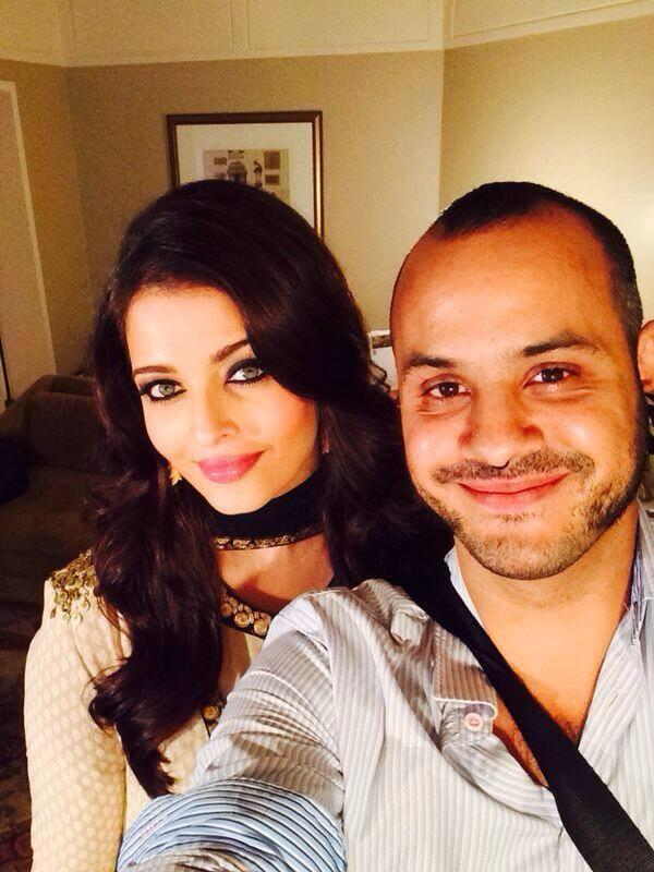 Aishwarya Back Stage Pic At L'Oreal Paris Femina Women Awards 2014