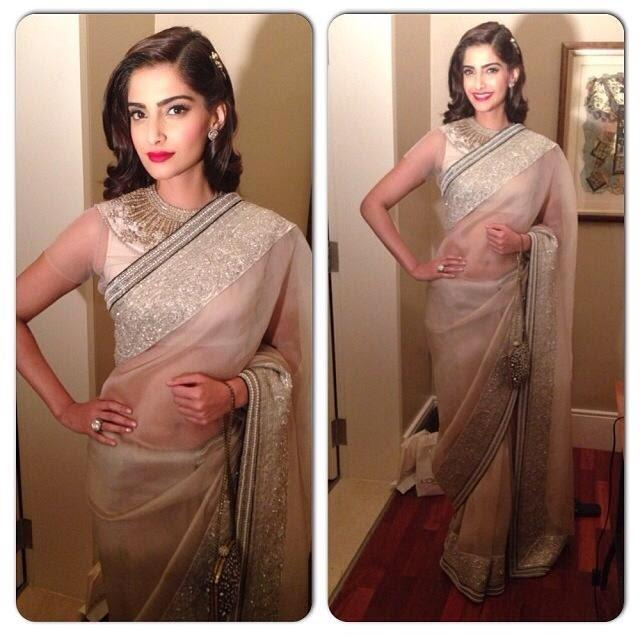 Pretty Sonam Stunning Pic During Loreal Paris Femina Women Of Worth Awards 2014