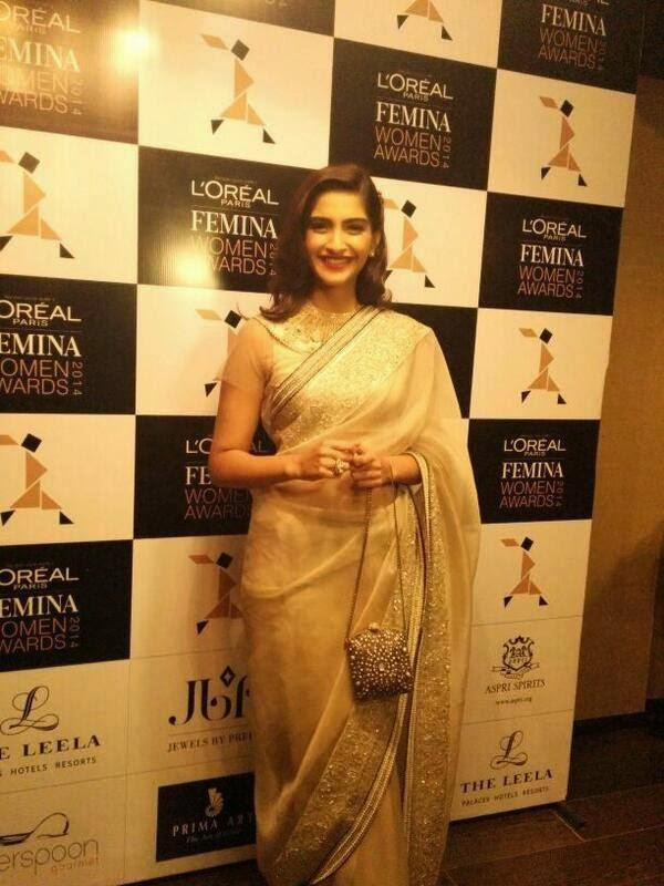 Sonam Looking So Gorgeous At  Loreal Paris Femina Women Of Worth Awards 2014
