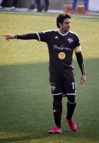 Abhishek Bachchan Handle The Team At The Celebrity Football Match