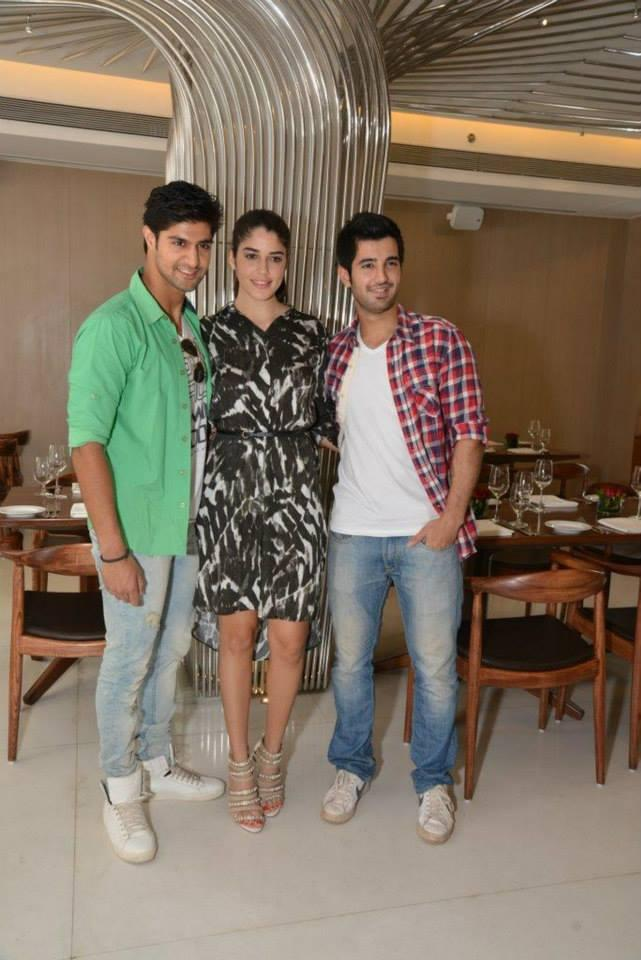The Stars Of Upcoming Movie, Purani Jeans Had A Fun Get Together In Mumbai For A Lunch