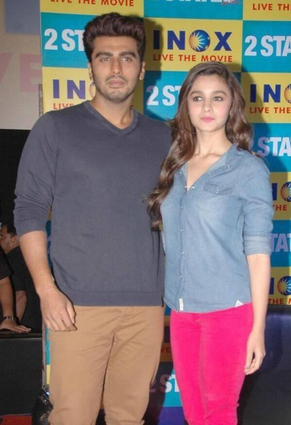Alia And Arjun Nice Looks For Camera At Bangalore During 2 States Promotion