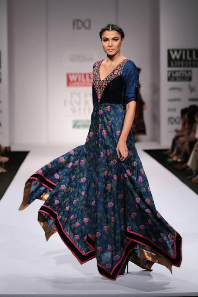 A Model Glamour Look On Ramp At Wills Lifestyle India Fashion Week On Day 5