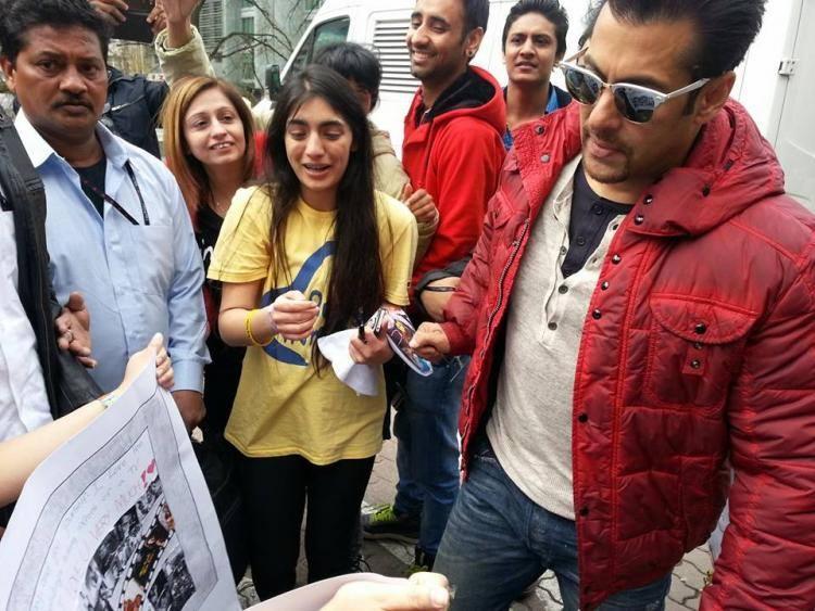 Salman Khan At InterContinental Warsaw Huge Of FAns