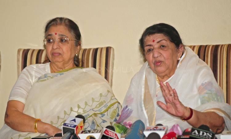 Lata Mangeshkar Announced The Deenanath Mangeshkar Awards At Her Residence