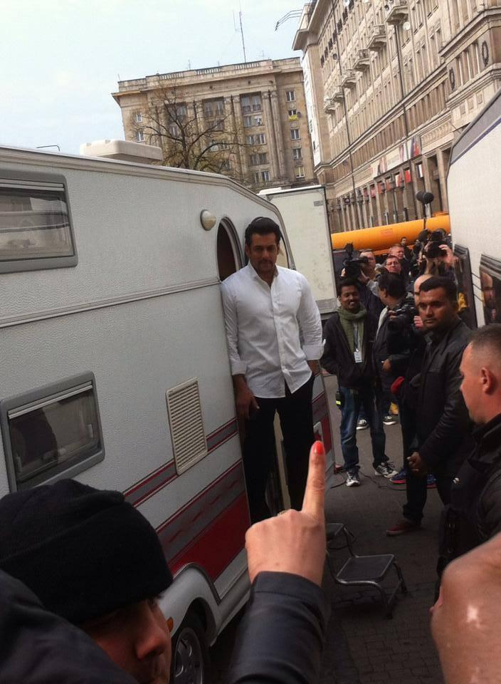 Wonderful Pic Of Salman On The Location Of Kick Movie Shooting
