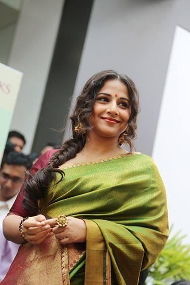 Vidya Balan Beautiful Look In Saree At The Inauguration Of Saree Showroom The Mall Of Joy In Thrissur