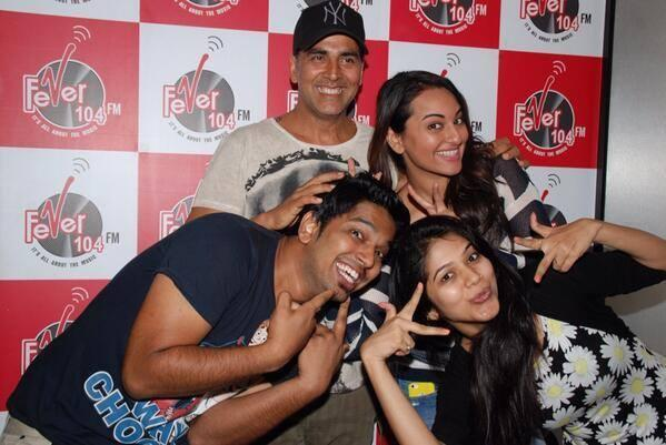 Akshay And Sonakshi Cool Pose During The Promotion Of Holiday At Radio 104 FM
