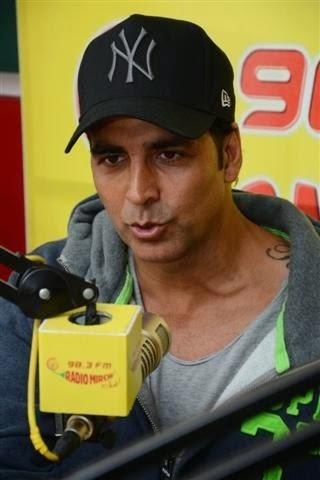 Akshay Kumar Promotes His Most Awaited Upcoming Movie Holiday At 98.3 FM