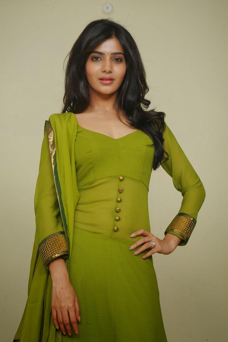 Samantha Ruth Prabhu In Green Churidar Hot Pose Photo Still