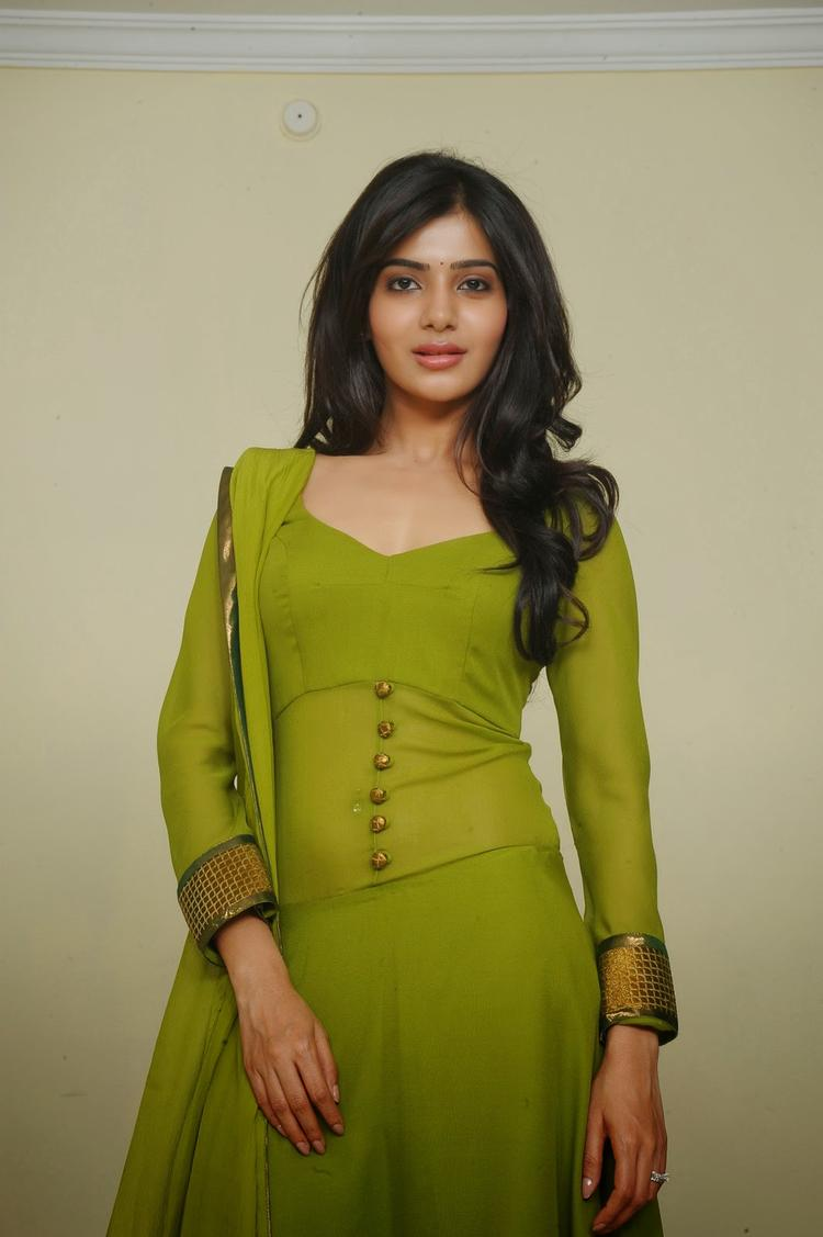Samantha Ruth Prabhu Sexy Look In Green Churidar Photo Still