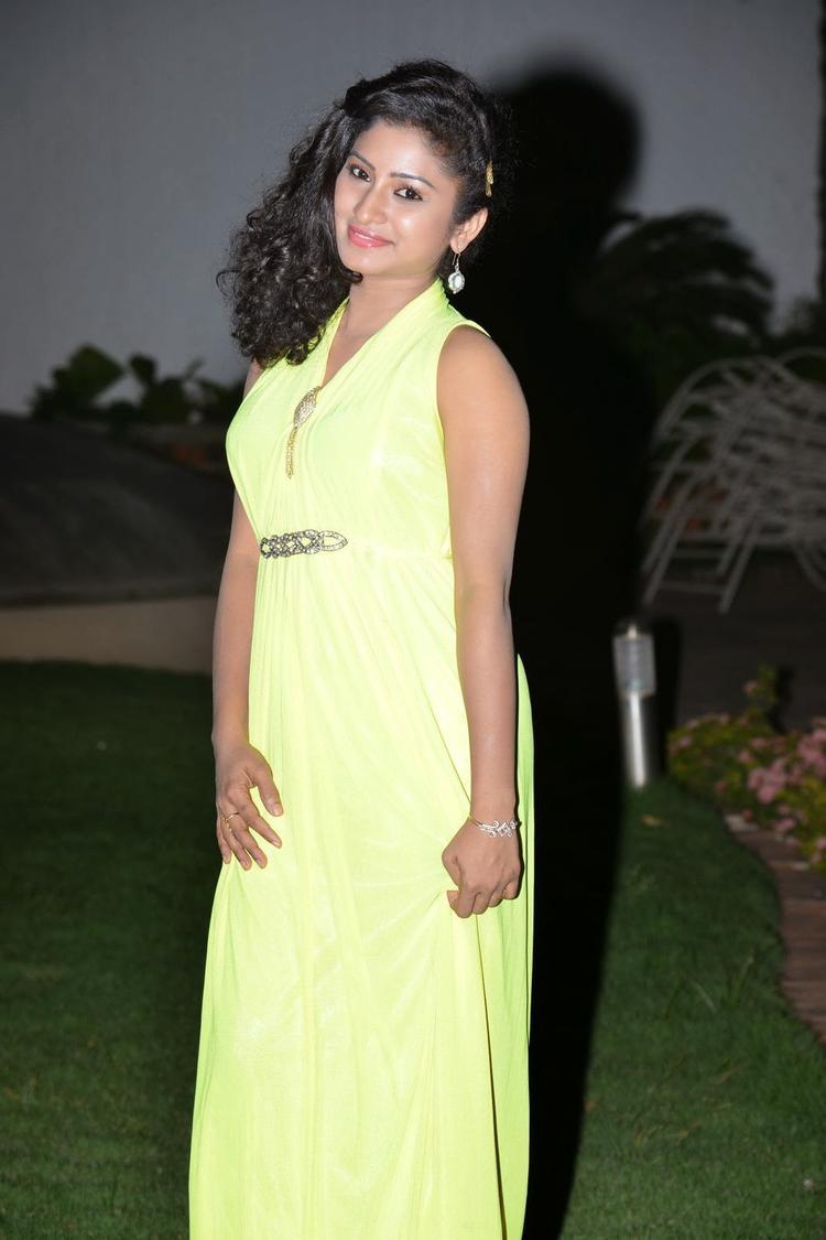 Vishnu Priya Sizzling Look At Nenu Naa Friends Audio Launch Event