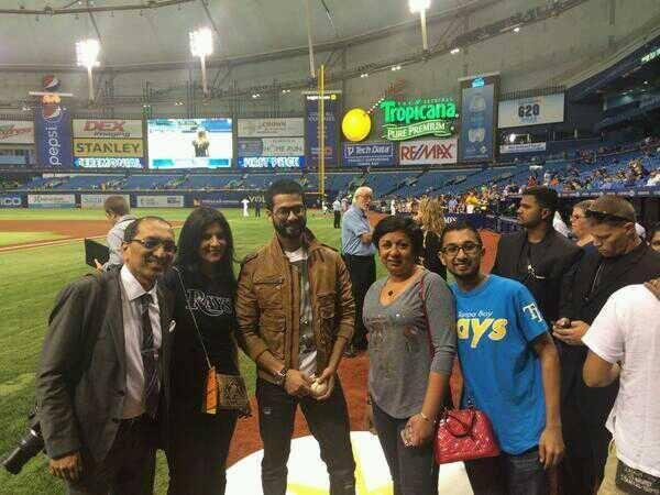 Shahid Kapoor Dashing Pose With Friends During Rays Baseballs Ceremonial First Pitch At Tampa