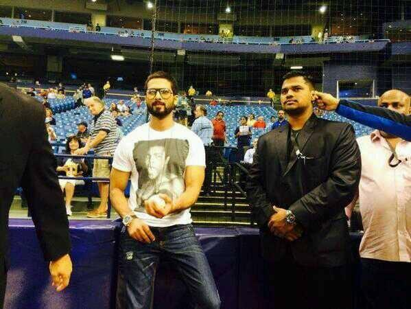 Shahid Kapoor Dazzling Look During Rays Baseballs Ceremonial First Pitch At Tampa