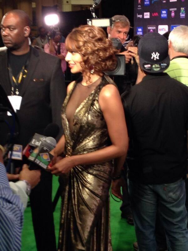 Bipasha Basu Charming Look At The IIFA 2014