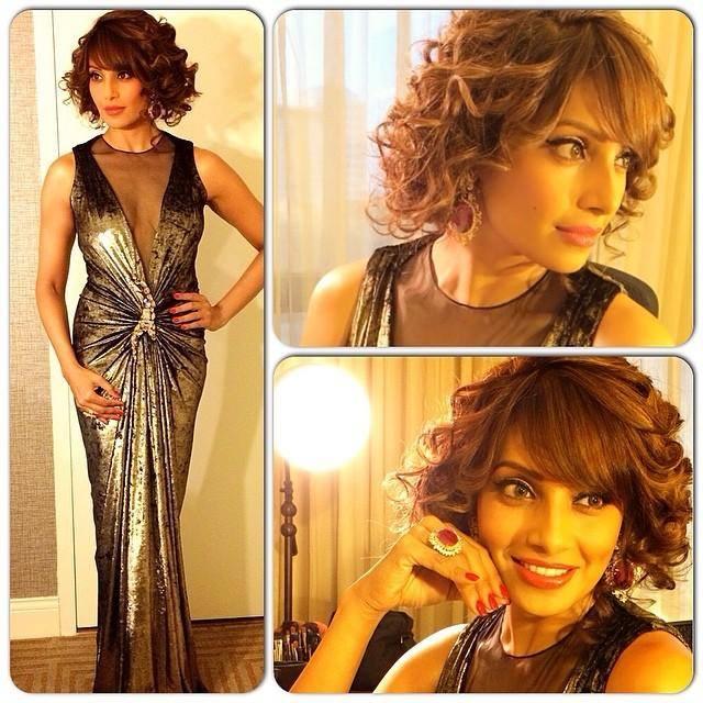 Bipasha Basu Fashionable Sexy Pose During At The IIFA 2014