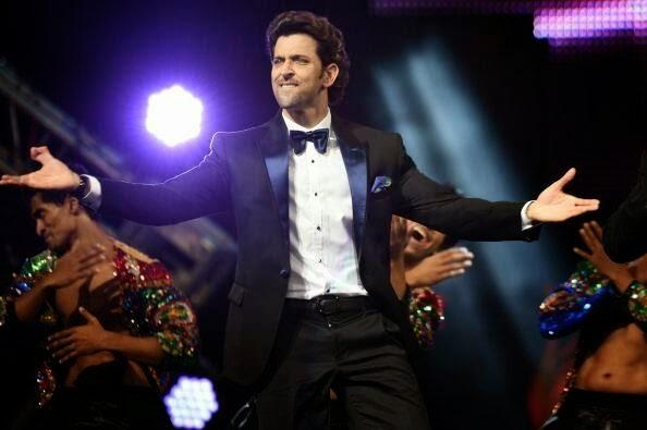 Hrithik Roshan Cool Pose For Camera At The IIFA 2014