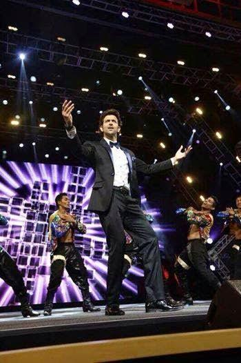 Hrithik Roshan Rocked On The Stage At The IIFA 2014