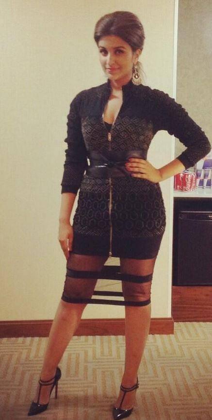 Parineeti Chopra Hot Stylist Pose Photo Shoot At The IIFA Magic Of Movies Event