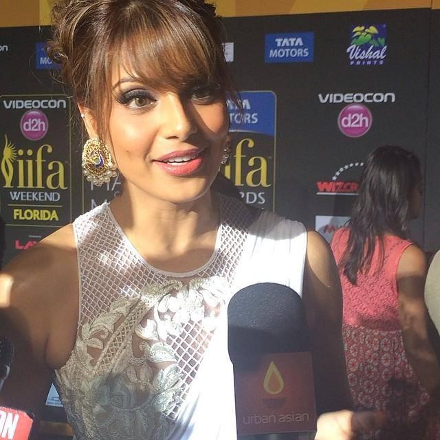 Bipasha Basu Charming Face Look At The IIFA Magic Of The Movies Awards Function