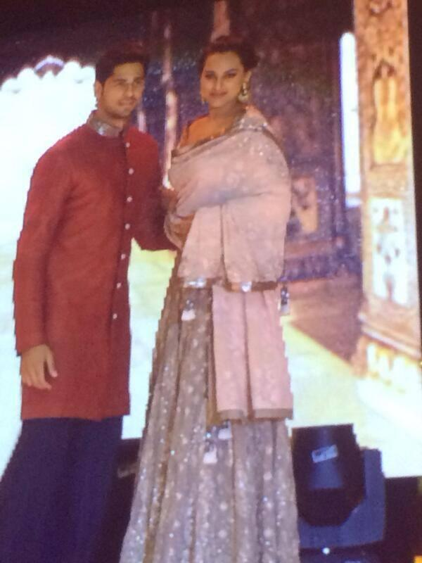 Sidharth And Sonakshi Walked On The Ramp Show At The IIFA Rocks 2014 Awards Function