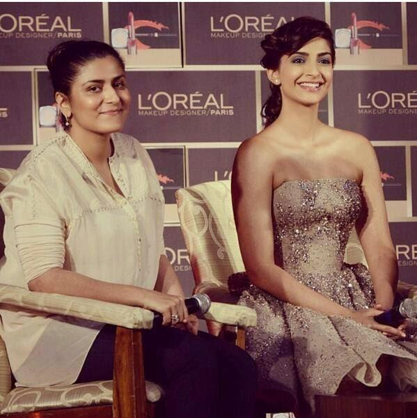 Sonam Kapoor And Namrata Soni Smiling Pic At A L'Oreal Event