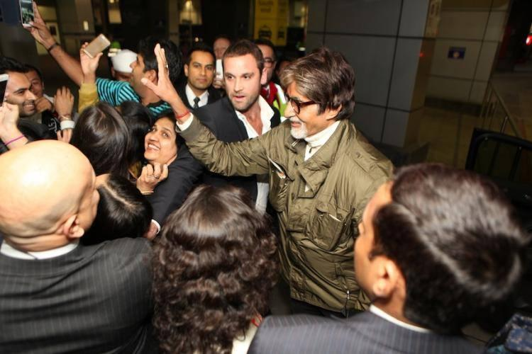 Amitabh Bachchan Fun With Fans At Melbourne Airport
