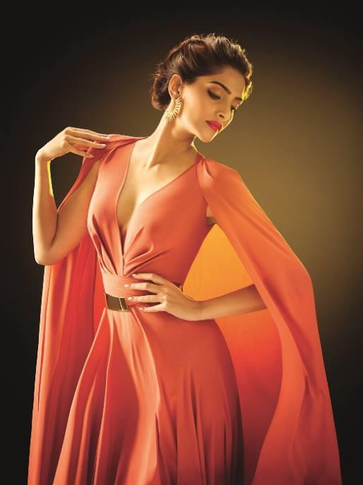 Sonam Kapoor Fashionable Hot Look Photo Shoot For L'Oreal Paris New Ad 2014