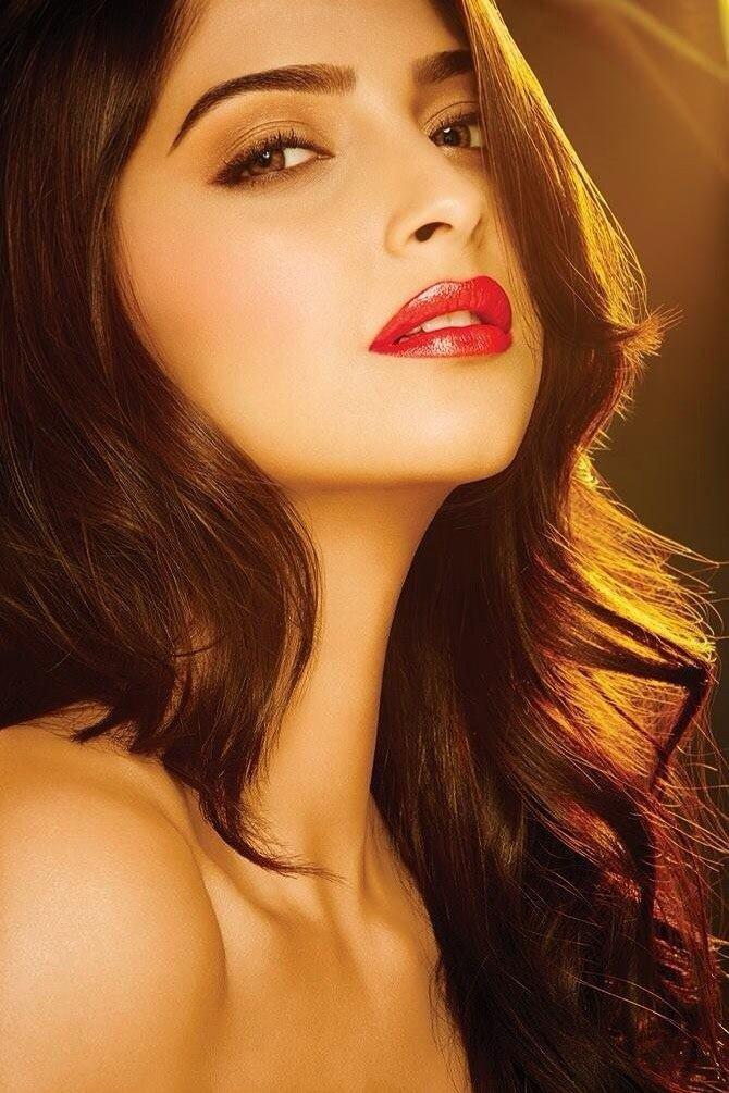 Sonam Kapoor Gorgeous Red Lippy Look Shoot For L'Oreal Paris New Ad 2014