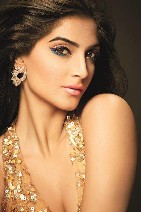 Sonam Kapoor Smokey Eyes Look Photo Shoot For L'Oreal Paris New Ad 2014