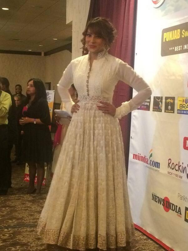 Black Beauty Bipasha Basu Strikes A Pose At An Event In Detroit USA