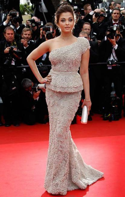 Aishwarya Opted A One Shouldered Ellie Saab Gown In Red Carpet At 64th Cannes Film Festival In 2011
