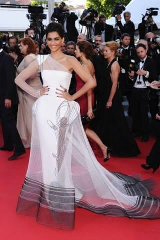 Sonam Kapoor In Red Carpet Stunning Look With Jean Paul Gaultier Gown At Cannes 2011 Film Festival