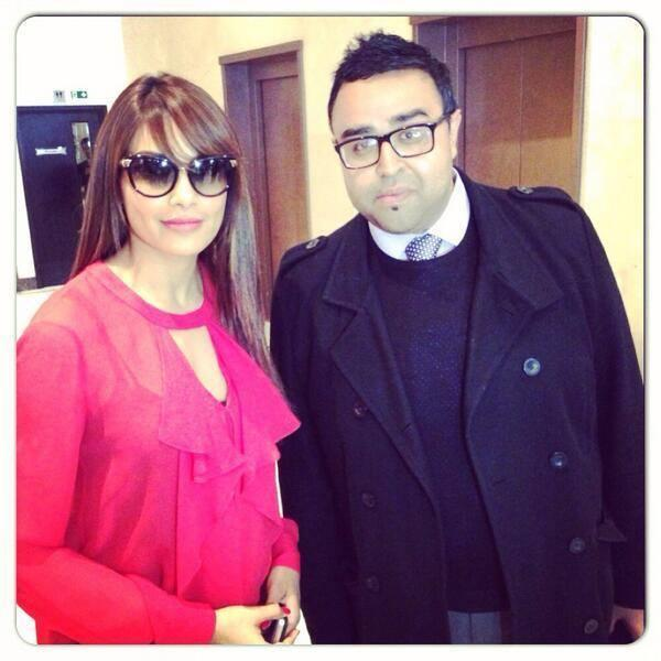 Bipasha Basu Dazzling Look Posed With A Fan At London