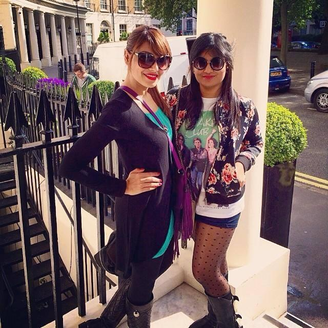 Bipasha Basu Gorgeous Look Posed With A Fan At London