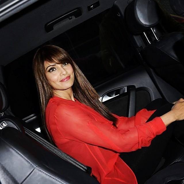 Bipasha Basu Smiling Pose Inside The Car At London