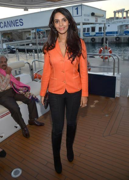 Hot Mallika Attend The CII Dinner Party