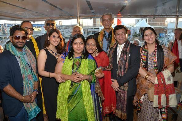 Sudhir Mishra,Ramesh Sippy,Ashok Amritraj,Resool Pookutty And Other Guests Pose For A Group Picture