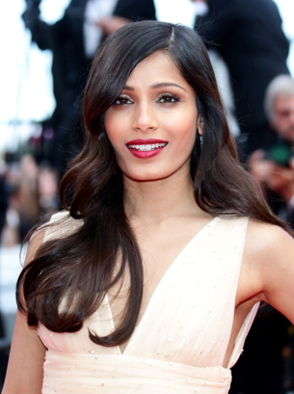 Freida Pinto Smashing Red Lippy Look During The Premiere Of Saint Laurent At Cannes 2014