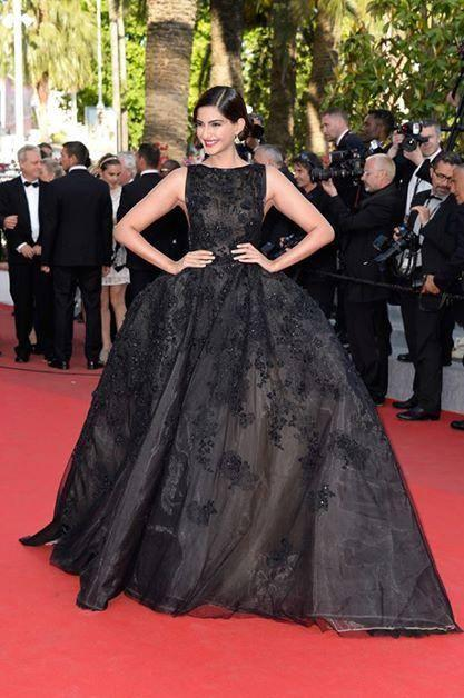 Sonam Kapoor Dazzled On The Fifth Day Of The 67th Cannes Film Festival