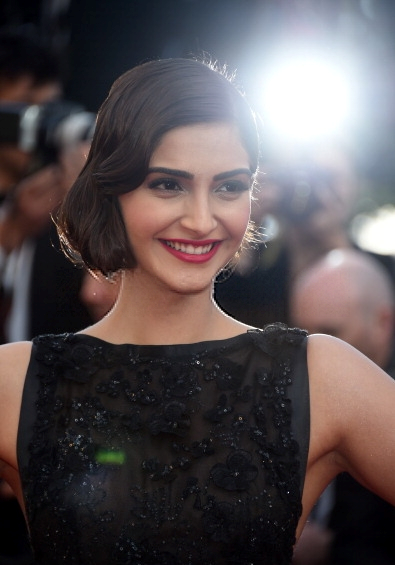 Sonam Kapoor Glamour Still During The 67th Annual Cannes Film Festival