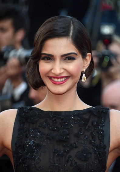 Sonam Kapoor New Hair Style Cute Face Sweet Still At 67th Cannes Film Festival