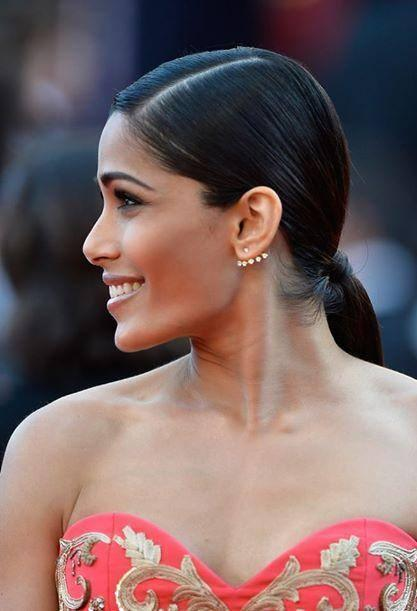 Freida Pinto Smiley Pose During The Homesman' Premiere At The 67th Cannes Film Festival