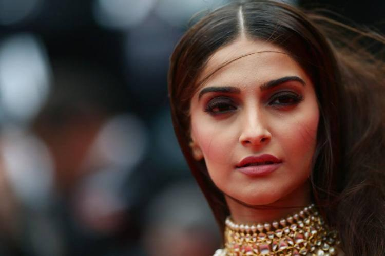 Sonam Kapoor Stunning Face Look At Cannes 2014 During The Premiere Of Foxcatcher