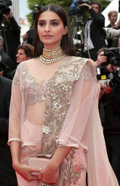 Sonam Kapoor Stylish Look In Anamika Khanna Outfit During The Premiere Of Foxcatcher In Cannes 2014 Festival