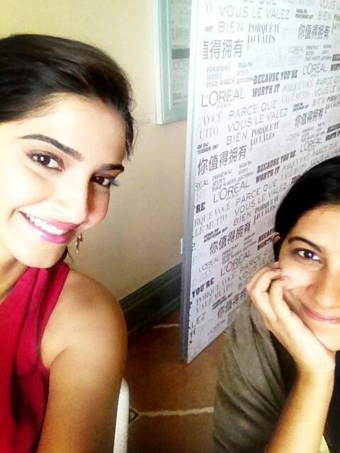 Smiling Sonam Kapoor Stunning Face Look The Press Meet Of Cannes 2014