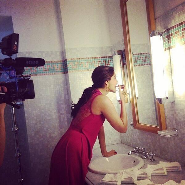 Sonam Kapoor Doing Make Up At The Back Stage Of Cannes 2014 Press Meet
